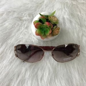 Liz Claiborne Butterfly Rim Sunglasses L52…